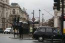 Londyn Londyn, stacja metra Westminster znajdująca się przy Big Ben'ie i Parlamencie, blisko stąd również do Westminster Abbey i Buckingham Palace