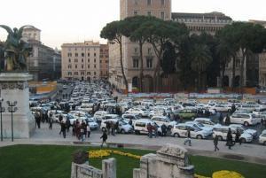 W�ochy - Parkowanie i parkingi we W�oszech