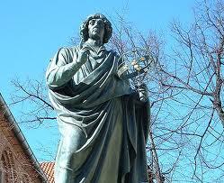 Toru� - Dom i pomnik Miko�aja Kopernika w Toruniu