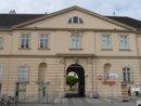 Wiedeń MuseumsQuartier, zespół kilku muzeów, w skład których wchodzi m.in. Muzeum Sztuki Współczesnej