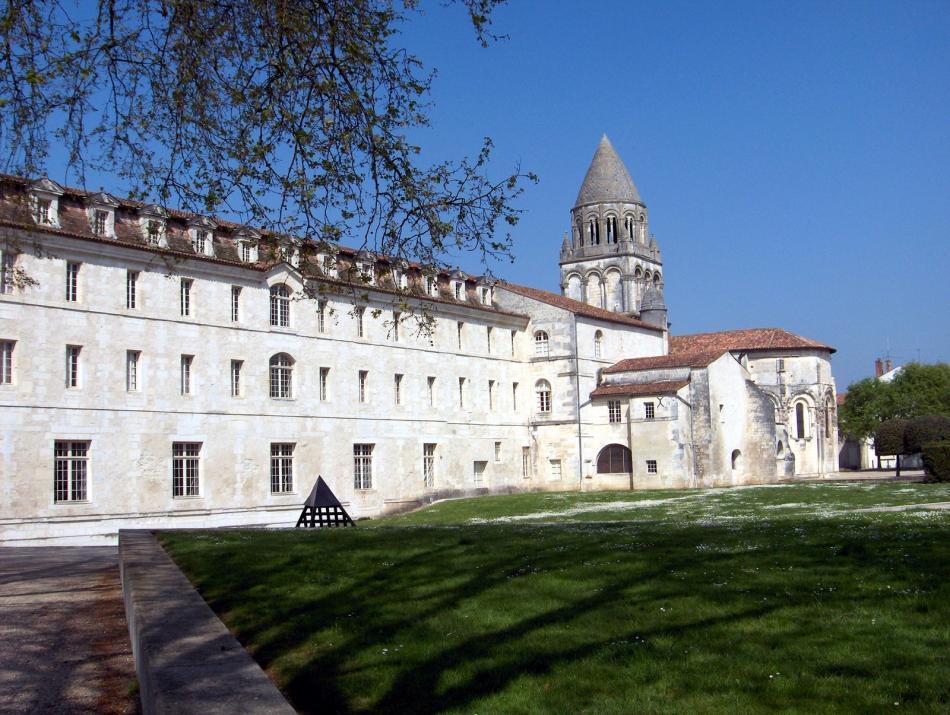 Opactwo Saint Etienne de Bassac w Bassac